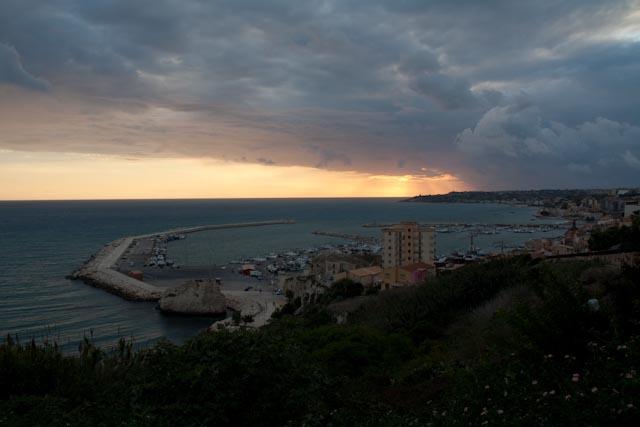 In viaggio per la Sicilia con Teresa Mannino
